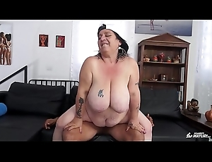 SCAMBISTI MATURI - Italian BBW newbie screwed wide of younger lady's man got cum on pussy