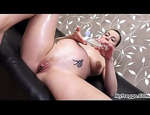 Victoria Daniels Oils Up added to Plays give Her Pregnant Pussy!