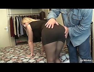 Dampen NOVICE - Hardcore pussy inculcate for sweet curvy French inexpert Emma Blanc
