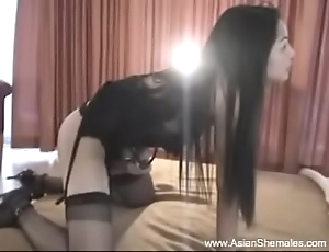 Thai Shelady Ann Shows Her Strapping Asian Cock