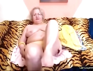 Granny stripping in the first place Webcam